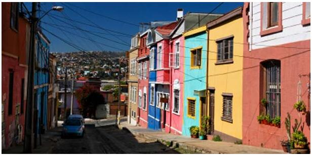 ATTRACTIONS OF VALPARAISO